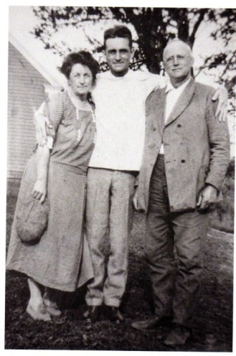 Doug with his parents Nettie and Chester, maybe in the 1930s?